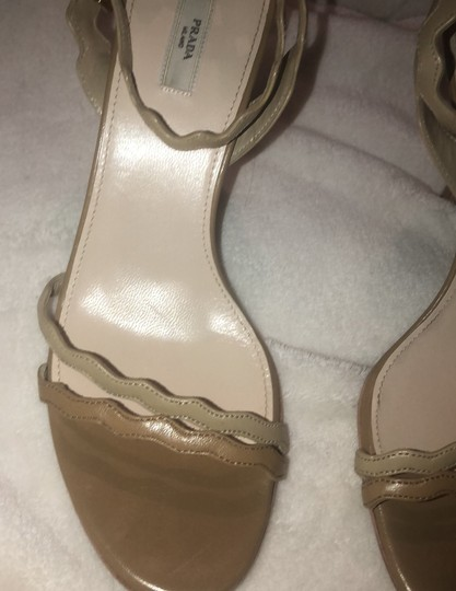 Prada two tone nude Pumps Image 1