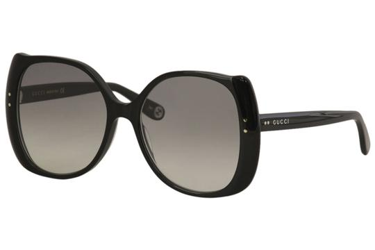 Preload https://img-static.tradesy.com/item/26346556/gucci-black-women-s-logo-gg0472s-gg0472s-001-56mm-sunglasses-0-0-540-540.jpg
