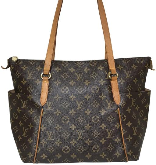 Preload https://img-static.tradesy.com/item/26346618/louis-vuitton-totally-mm-monogram-brown-coated-canvas-shoulder-bag-0-1-540-540.jpg