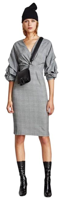 Preload https://img-static.tradesy.com/item/26346647/zara-checked-xl-shift-puff-sleeve-mid-length-workoffice-dress-size-16-xl-plus-0x-0-1-650-650.jpg