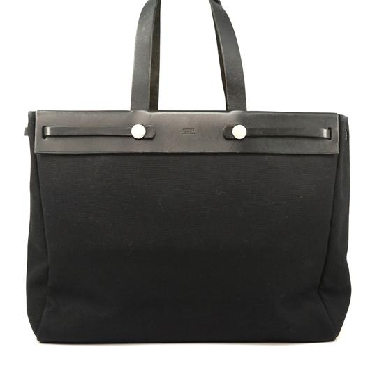 Preload https://img-static.tradesy.com/item/26346858/hermes-airbag-mm-672h29-black-shoulder-bag-0-0-540-540.jpg