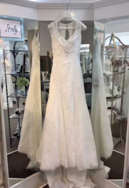 Mori Lee Ivory/ Silver Lace Over Satin 2604 Modern Wedding Dress Size 8 (M) Mori Lee Ivory/ Silver Lace Over Satin 2604 Modern Wedding Dress Size 8 (M) Image 1