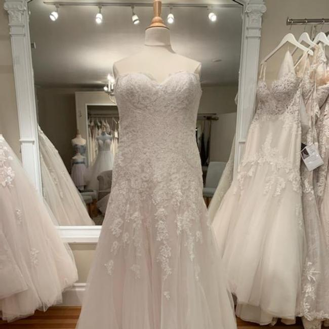 Item - Ivory Almond Lace and Tulle D2122 Formal Wedding Dress Size 16 (XL, Plus 0x)
