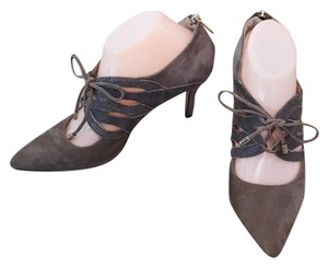 Isola Taupe Pumps