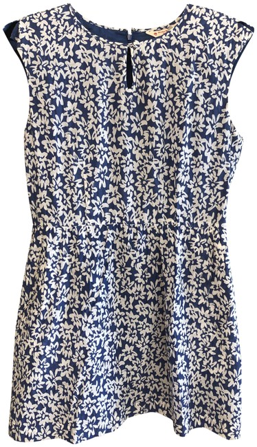 Preload https://img-static.tradesy.com/item/26354083/brooks-brothers-blue-white-floral-print-cotton-short-casual-dress-size-6-s-0-2-650-650.jpg