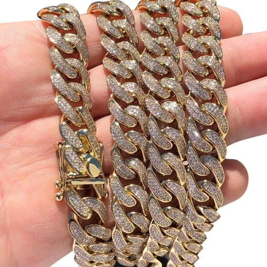 Preload https://img-static.tradesy.com/item/26354176/14k-gold-plated-diamond-12mm-cuban-link-chain-necklace-0-2-540-540.jpg