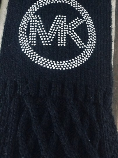 MICHAEL Michael Kors knitted scarves Image 4