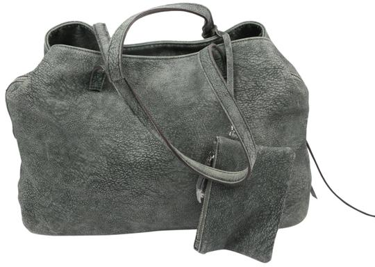 Preload https://img-static.tradesy.com/item/26354567/free-people-bag-large-and-wallet-green-leather-tote-0-2-540-540.jpg