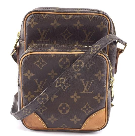Preload https://img-static.tradesy.com/item/26354680/louis-vuitton-messenger-amazon-33764-long-strap-shoulder-brown-monogram-canvas-cross-body-bag-0-1-540-540.jpg