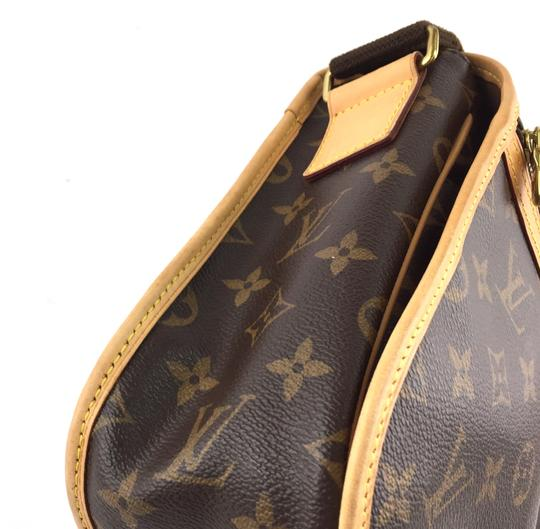 Louis Vuitton Lv Bosphore Adjustable Monogram Cross Body Bag Image 8