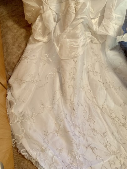 Mori Lee White Madeline Gardner Feminine Wedding Dress Size 8 (M) Image 3