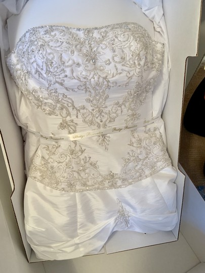 Mori Lee White Madeline Gardner Feminine Wedding Dress Size 8 (M) Image 5