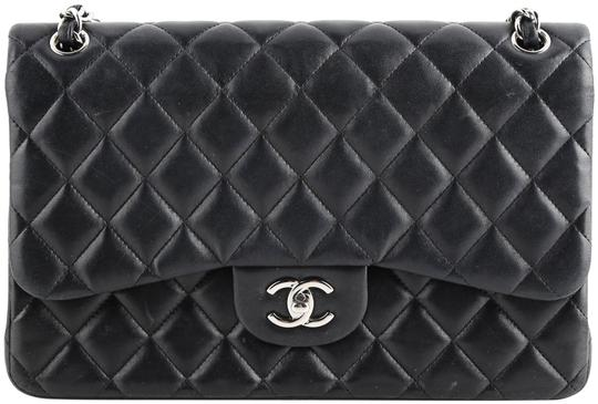 Preload https://img-static.tradesy.com/item/26361533/chanel-double-flap-quilted-jumbo-black-lambskin-leather-shoulder-bag-0-2-540-540.jpg