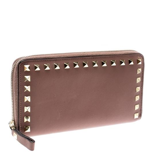 Valentino Valentino Nude Pink Leather Rockstud Zip Around Wallet Image 2