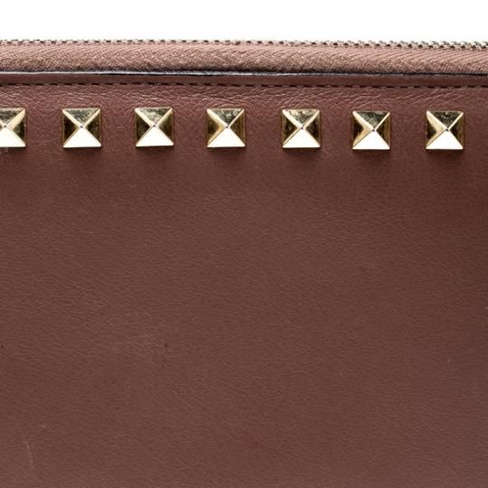 Valentino Valentino Nude Pink Leather Rockstud Zip Around Wallet Image 7