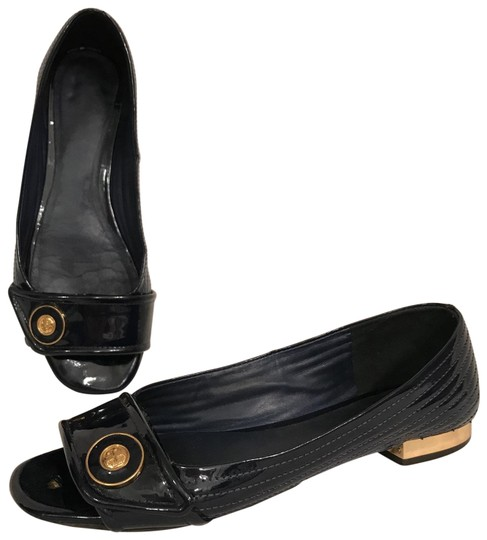 Preload https://img-static.tradesy.com/item/26362936/tory-burch-blue-gold-navy-striped-quilted-patent-leather-openpeep-toe-flats-size-us-8-regular-m-b-0-1-540-540.jpg