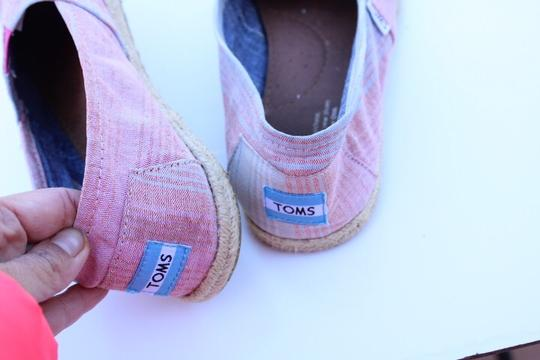 TOMS red, blue, white Flats Image 10