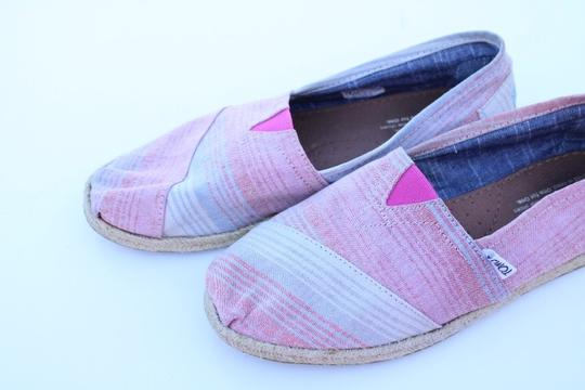 TOMS red, blue, white Flats Image 11