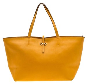 Salvatore Ferragamo Leather Mustard Tote in Yellow