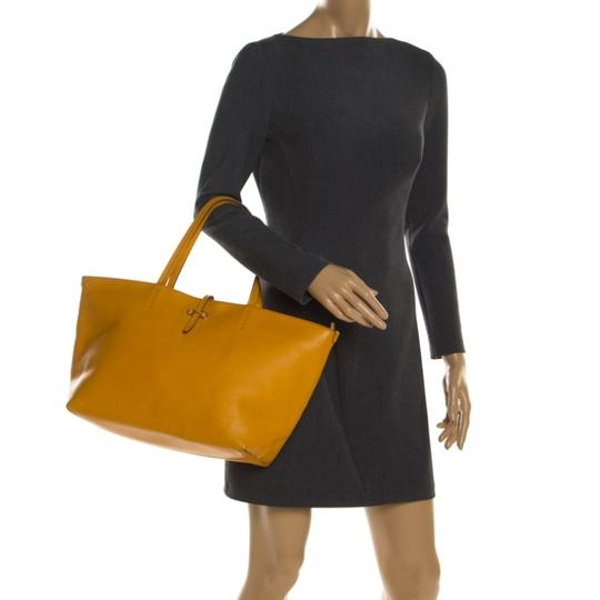 Salvatore Ferragamo Leather Mustard Tote in Yellow Image 2