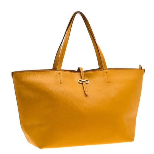 Salvatore Ferragamo Leather Mustard Tote in Yellow Image 3