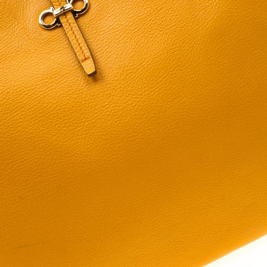 Salvatore Ferragamo Leather Mustard Tote in Yellow Image 6