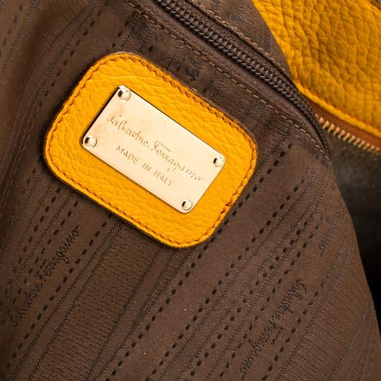 Salvatore Ferragamo Leather Mustard Tote in Yellow Image 9