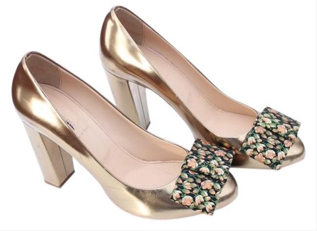 Item - Gold Etta Bow Pumps Size US 7 Regular (M, B)