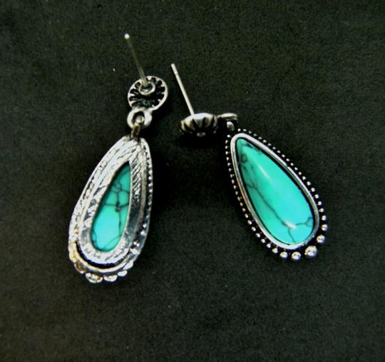 Other Silver Turquoise Teardrop Dangle Earrings Image 4