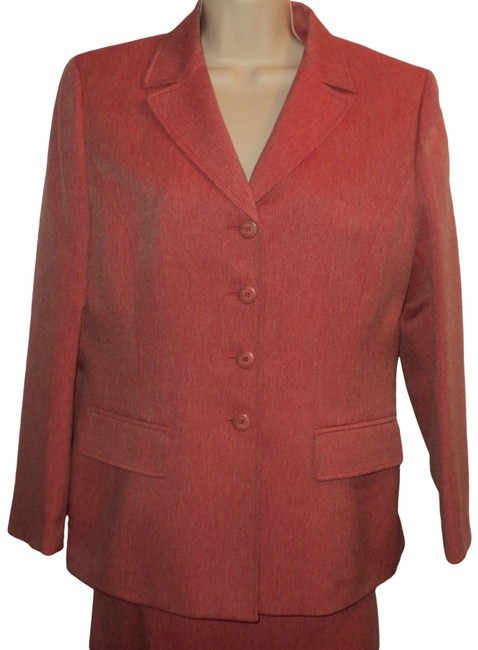 Item - Light Red Jacket & Single Breasted Lined Skirt Suit Size Petite 10 (M)