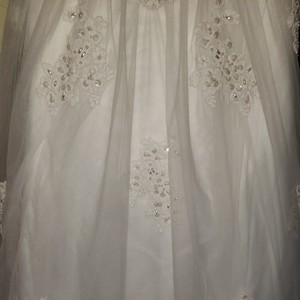 Oleg Cassini White 2 Formal Wedding Dress Size 6 (S)