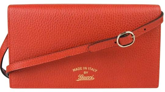 Preload https://img-static.tradesy.com/item/26374138/gucci-swing-wallet-red-calfskin-leather-cross-body-bag-0-2-540-540.jpg