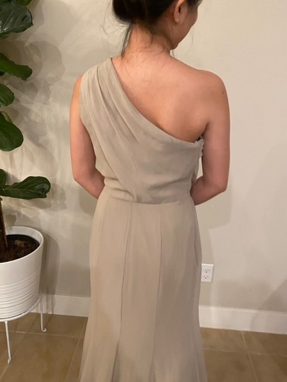 Monique Lhuillier Grey Chiffon Polyester One Shoulder Gown Formal Bridesmaid/Mob Dress Size 4 (S) Image 9