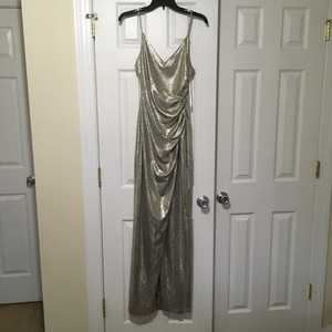 Betsy & Adam Light Gold Sleek Wrap Formal Bridesmaid/Mob Dress Size 4 (S)
