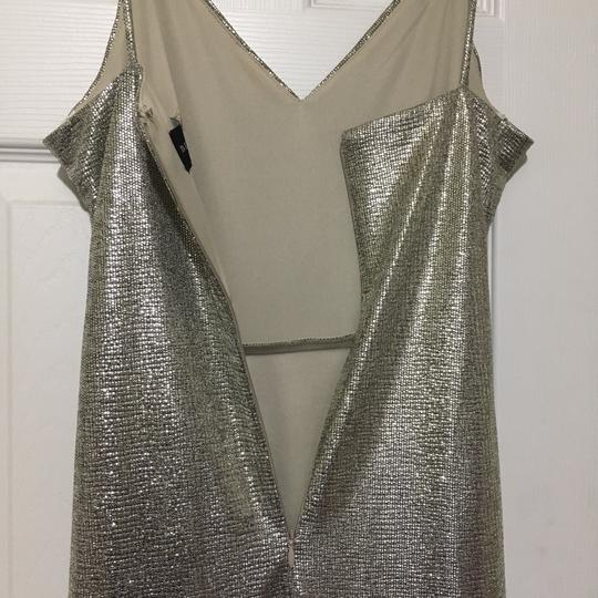 Betsy & Adam Light Gold Sleek Wrap Formal Bridesmaid/Mob Dress Size 4 (S) Image 4