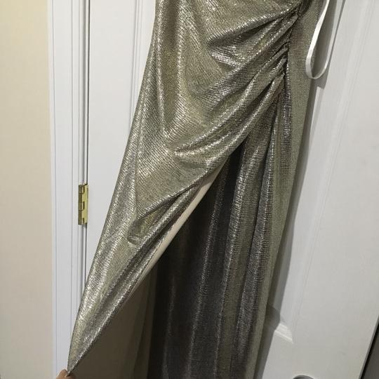 Betsy & Adam Light Gold Sleek Wrap Formal Bridesmaid/Mob Dress Size 4 (S) Image 5