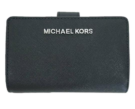Michael Kors Black Silver Jet Set Travel Bifold Zip Coin Wallet 35f7gtvF2l silver Image 0