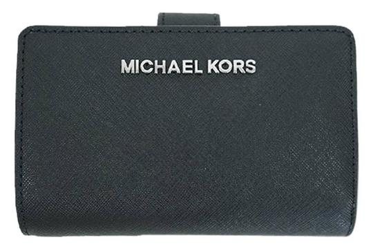 Michael Kors Black Silver Jet Set Travel Bifold Zip Coin Wallet 35f7gtvF2l silver Image 5