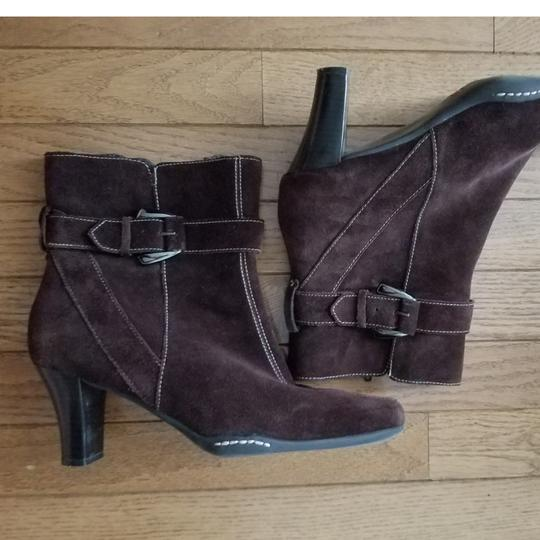 Aérosoles Size 9.5 Side Zip Brown suede Boots Image 10