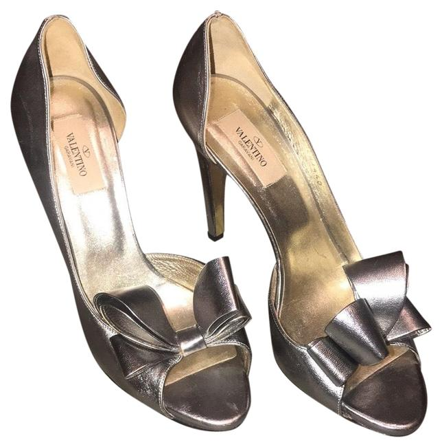 Item - Bow Heel Metallic Silver Platforms Size EU 40 (Approx. US 10) Regular (M, B)