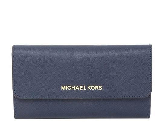 Preload https://img-static.tradesy.com/item/26381688/michael-kors-navy-blue-jet-set-trifold-wallet-0-0-540-540.jpg