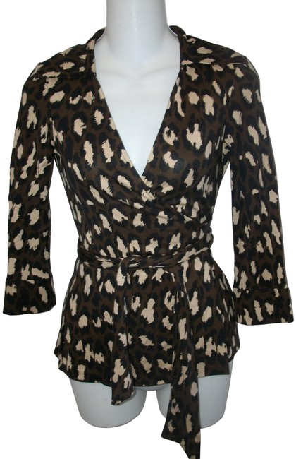 Item - Brown and Beige Animal Print Silk 3/4 Sleeve Wrap Blouse Size 0 (XS)