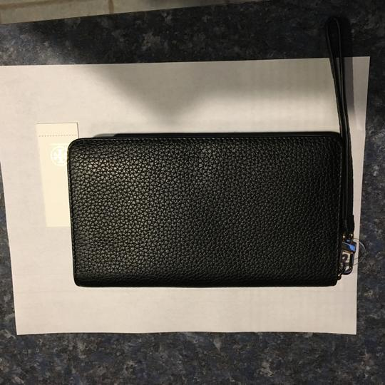 Tory Burch BOMBE Smartphone Leather Wristlet, S/N 50655-0718 Image 3