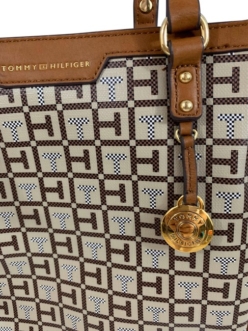 Item - Shopper Brown Pl Leather Tote