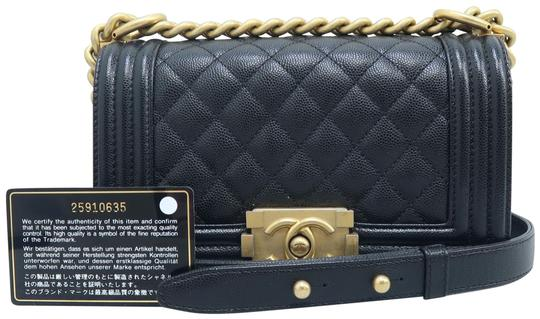 Preload https://img-static.tradesy.com/item/26389501/chanel-boy-small-black-caviar-shoulder-bag-0-2-540-540.jpg