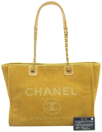 Preload https://img-static.tradesy.com/item/26389518/chanel-deauville-small-yellow-tweed-shoulder-bag-0-2-540-540.jpg