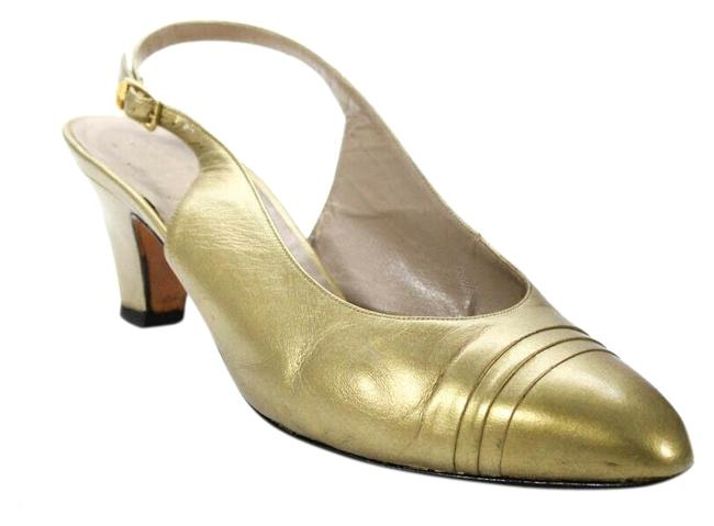 Item - Gold Leather Closed Toe Slingback Style Kitten Heels Pumps Size US 8.5 Wide (C, D)