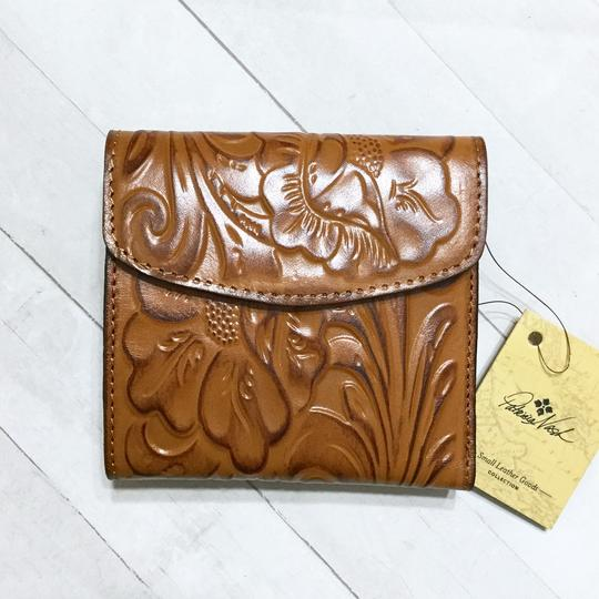 Patricia Nash Designs Italian Leather Reiti Embossed Floral Organizer RFID Bifold Flap Image 9