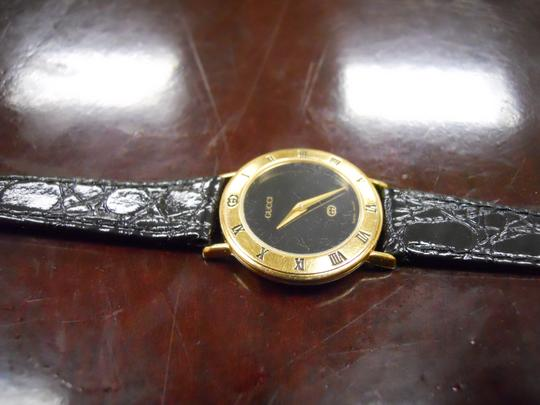 Gucci Timeless Women's Gucci Watch Model 3000l Swiss Accurate Time New Band Image 1