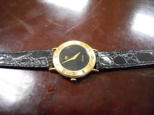 Gucci Timeless Women's Gucci Watch Model 3000l Swiss Accurate Time New Band Image 2